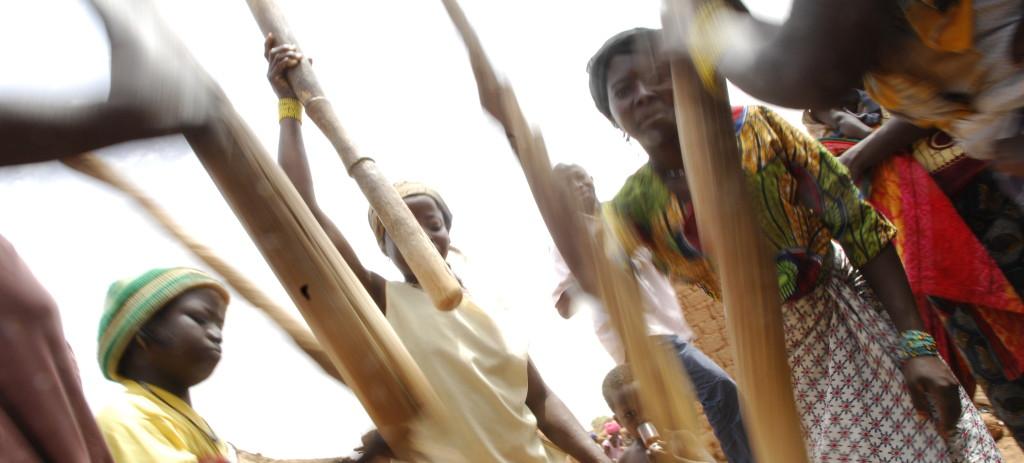 lutter contre pauvrete_favoriser devleoppement social
